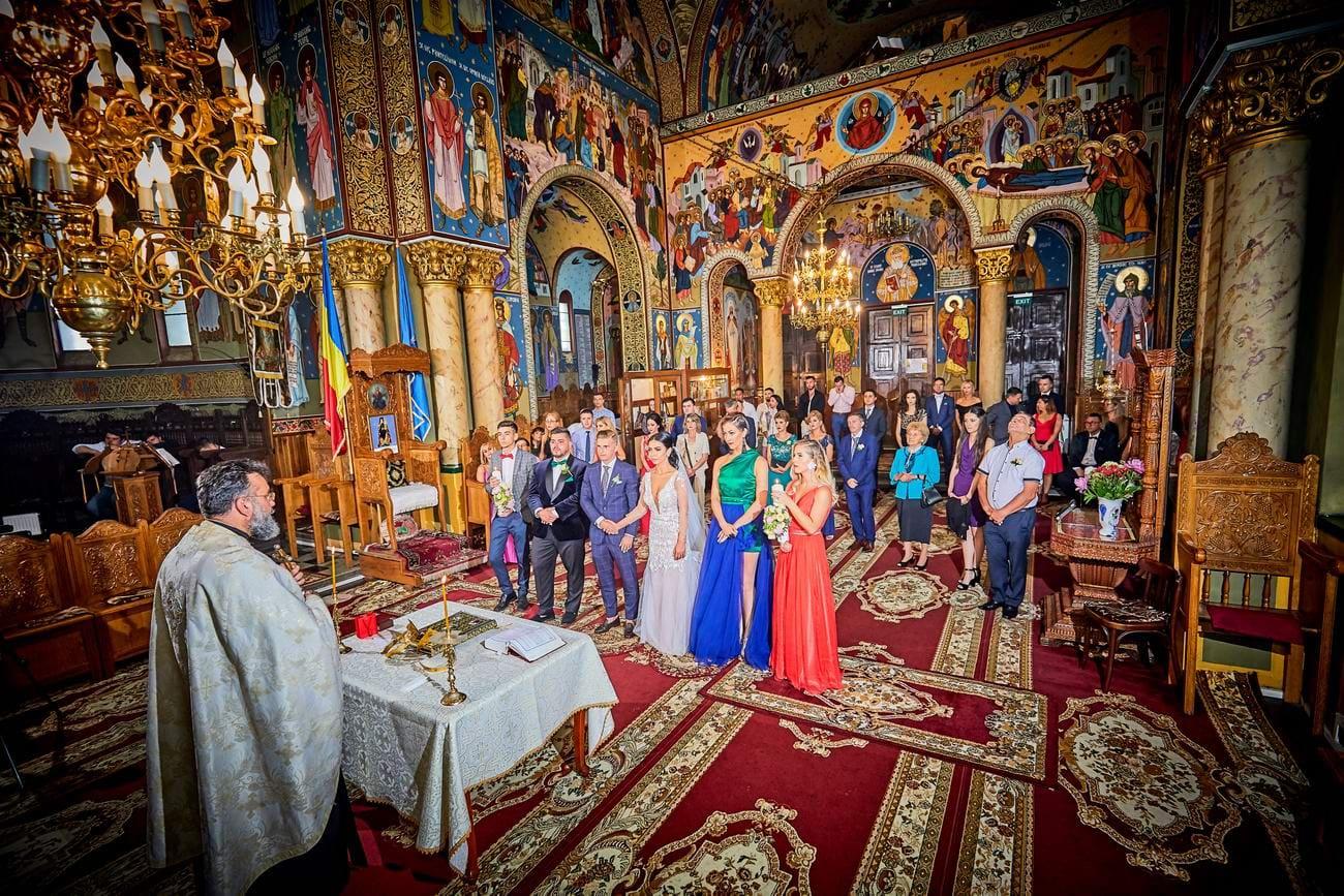 fotografii miri biserica Brasov