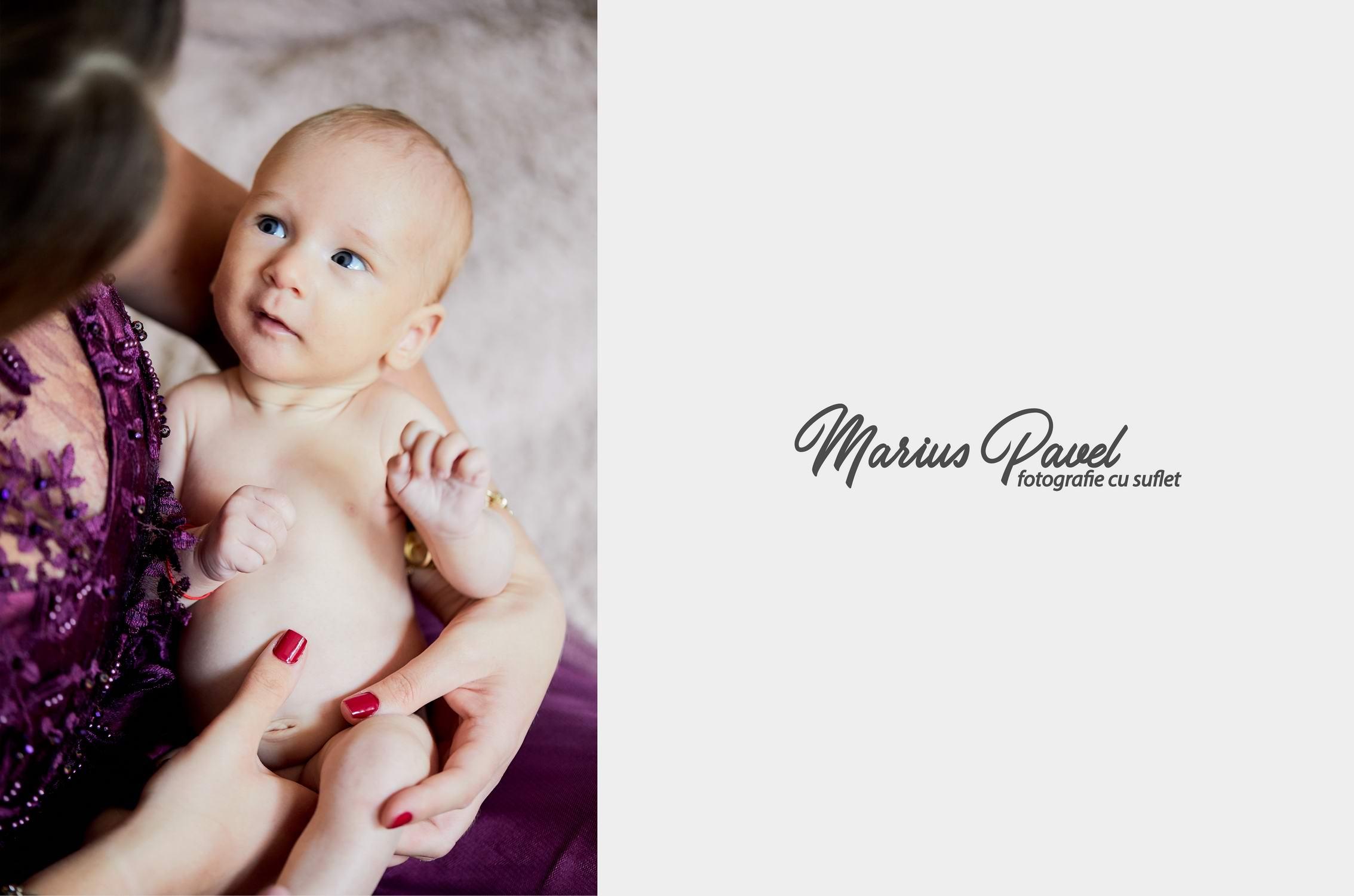 Fotograf botez Codlea - fotografii de acasa cu parintii si bebe